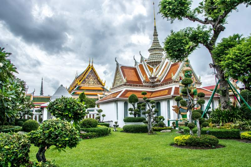 Bangkok Grand Palace how to visit opening hours entry fee get to