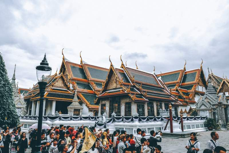opening hours Grand Palace Bangkok Tour visit dress code entrance fee how to get there
