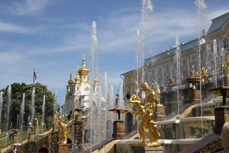 top things to do St petersburg Peterhof palace