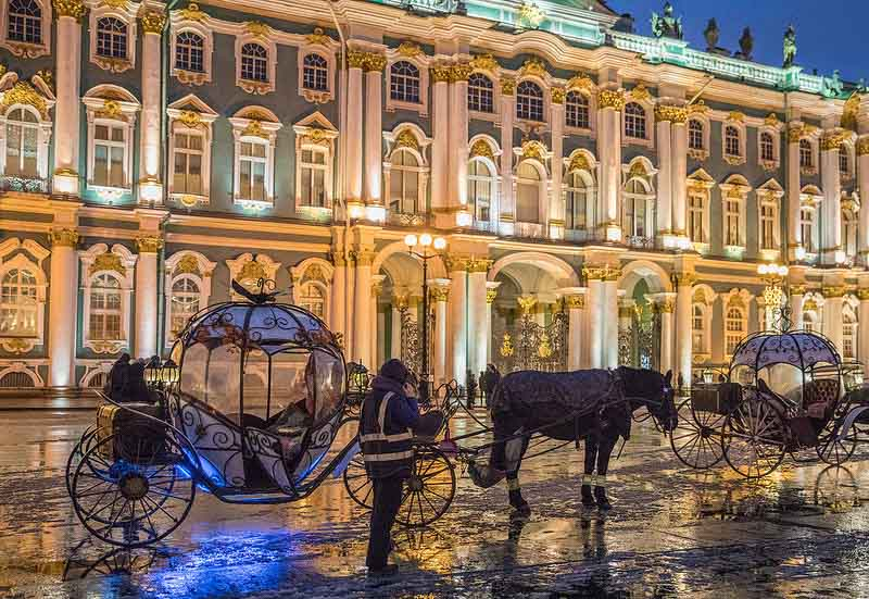 top things to do St petersburg Palace Square