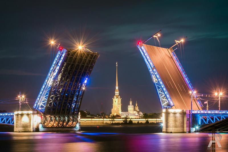 top things to do St petersburg Palace Bridge