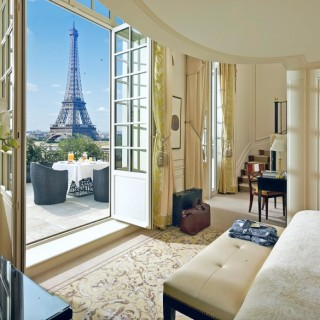Shangri La Paris view Eiffel tower hotel